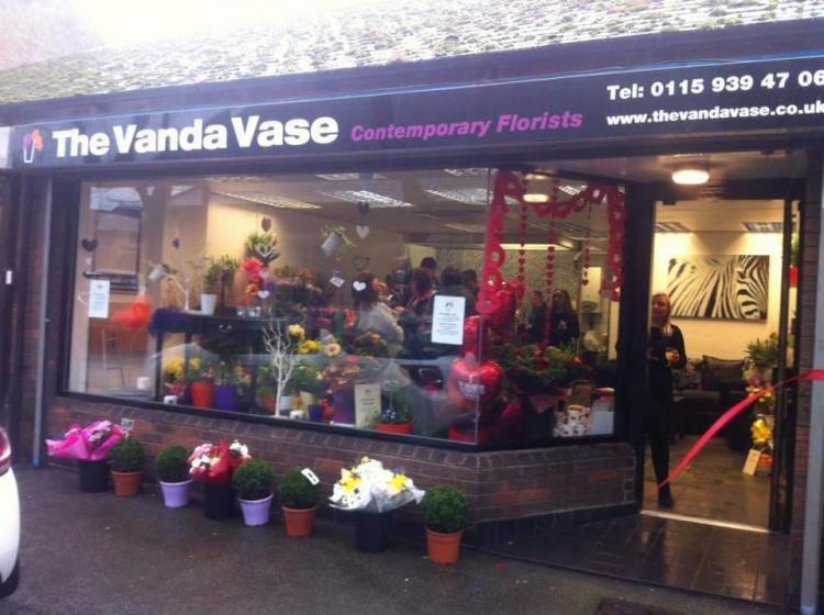 Vanda Vase Shop Signage